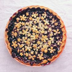 Bust out the cookie cutters to make this Summer Blackberry Pie. This is super adorable! Very unique pie crust idea too!