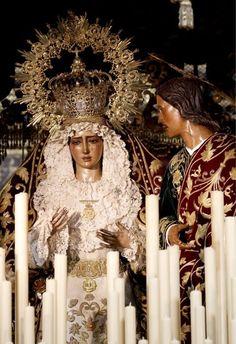 Hermandad de El Dulce Nombre. (La Bofetá)María Santísima de El Dulce Nombre y San Juan Evangelista Sevilla