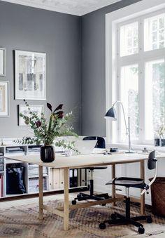 folding table - grey walls | photo chris tonnesen