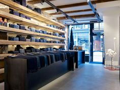 Denim Visual Merchandising - Tenue de Nimes Amsterdam