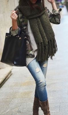 #fall #fashion / oversized green scarf