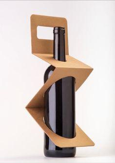 single cardboard carrier