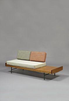 Pierre Paulin, Sofa 119 - Meubles TV edition (1953), Lacquered metal, oak, roaswood, foam and fabric, 42 × 195 × 70 cm