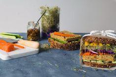 Sandwich suprême au végé-pâté maison et à la moutarde au miel