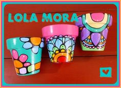 Paint Garden Pots, Painted Plant Pots, Painted Flower Pots, Painted Tin Cans, Flower Pot Design, Decorated Flower Pots, Clay Pot Crafts, Succulents Diy, Garden Ornaments