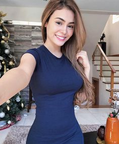 One of the largest sugar daddy dating site for attractive girls looking for sugar daddy, rich Women, seeking secret arrangement. She Was Beautiful, Beautiful Women, Beautiful Smile, Find My Match, Healthy Lifestyle Motivation, Training Day, Young Models, Nice Tops, Pretty Girls