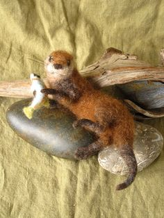 *NEEDLE FELTED ART ~ otter and fish, pose-able, hand dyed wool