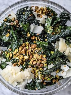 Kale Salad - Parmesan Pistachio Kale Salad - Dinosaur Kale Salad This kale salad is so super delicious, flavorful and easy! The base is lacinato kale but you can ce Gourmet Recipes, Vegetarian Recipes, Cooking Recipes, Healthy Recipes, Cooking Games, Fast Recipes, Cooking Pasta, Cooking Tips, Cooking Bacon