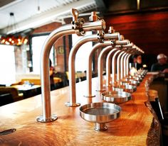 Warm, urban-rustic restaurant serving inventive Southern-inspired comfort fare & creative cocktails.
