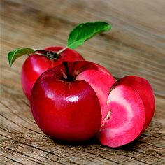 Suttons Redlove® Apple tree - look at the gorgeous apples! Just the thing for my new garden!
