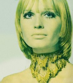 Vogue UK, 1969. THIS NECKLACE.
