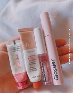 See more of teensvsco-'s content on VSCO. Lip Care, Body Care, Beauty Care, Beauty Skin, Mode Hipster, Balm Dotcom, Lipgloss, Lipsticks, Eyes Lips Face