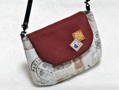Purse Bag with Flap DIY Tutorial in Pictures.