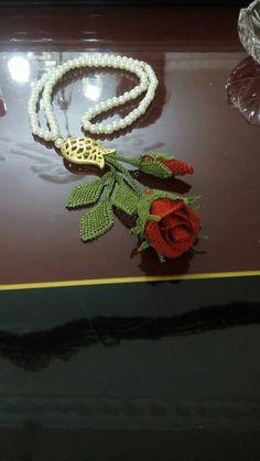 I Needle Lace, Bead Crochet, Paper Art, Tatting, Elsa, Diy And Crafts, Beads, Wedding, Key Chains