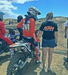 Dirt Bike Couple, Motocross Couple, Biker Couple, Motorcycle Couple, Motocross Bikes, Cute Country Couples, Cute Couples Photos, Cute N Country, Cute Couple Pictures