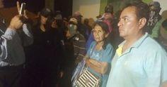 Seguir Cuadrante Azul @Cuadrante_Azul Liberan al ingeniero por madre de líder delincuencial en San Miguel Totolapan 21:51 – 14 dic 2016 · Acapulco de Juárez, Guerrero 77 Retweets 22 me gusta Ciudad de México, 14 de diciembre (SinEmbargo/AP).–Isauro de Paz Duque, el ingeniero secuestrado en Totolapan, Guerrero, ya fue liberado, así lo dio a conocer […]