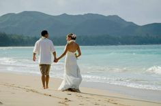 Waimanalo Bay #beachwedding on the island of Oahu in Hawaii.