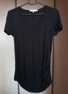 Kup mój przedmiot na #vintedpl http://www.vinted.pl/damska-odziez/koszulki-z-krotkim-rekawem-t-shirty/12940057-czarna-koszulka-basic