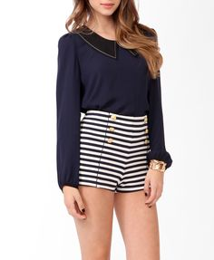 Sailor shorts w/side zipper! Fantastic condition⚓️ ⚓️Elastic waistband sailor stretch shorts will fit a small or medium! Love Fashion, Fashion Outfits, Fashion Trends, Fashion Inspiration, Marine Outfit, Nautical Shorts, New York Outfits, Sailor Shorts, Collar Top