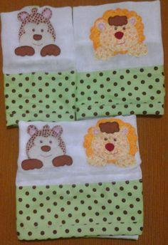 Kit Fraldas - Contém 3 fraldas, 2 fraldas de boca e uma cobre peito. Várias cores e modelos e pode personalizar colocando o nome do bebê. Faça sua encomenda
