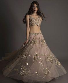Looking for engagement lehenga? Browse of latest bridal photos, lehenga & jewelry designs, decor ideas, etc. on WedMeGood Gallery. Choli Designs, Lehenga Designs, Mehandi Designs, Indian Fashion Dresses, Indian Designer Outfits, India Fashion, Japan Fashion, Designer Clothing, Designer Dresses