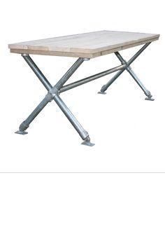 •Met de hand vervaardigde tafel met steigerbuis kruispoot gemaakt uit gebruikt steigerhout. •Tafel heeft de afmeting van 180 x 80 x 79. •De tafel heeft een kruispoot onderstel van steigerbuis. •Deze tafel is in diverse afmetingen leverbaar.