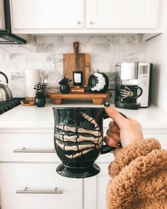 kitchen decoration My spooky coffee corner is complete!(Shop in the LTK app or link in BIO)… Halloween Home Decor, Halloween House, Fall Home Decor, Holidays Halloween, Autumn Home, Spooky Halloween, Halloween Decorations, Farmhouse Halloween, Holiday Fun