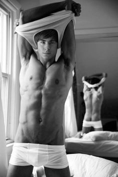 Oooooh laaaaaaawd - Zac Effron - dat ass and body.