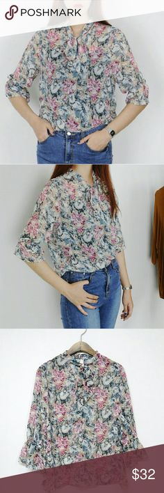 "Elisa flower blouse PRE ORDER, WILL SHIP OUT IN ABOUT 2 WEEKS.  these are photos of the actual sample personally taken by me.  Only limited quantity available so pre-order yours now  Approximate measurement  Chest 19"",  shoulder 15"",  Length 22"" Recommend for size 0~2 Tops Blouses"