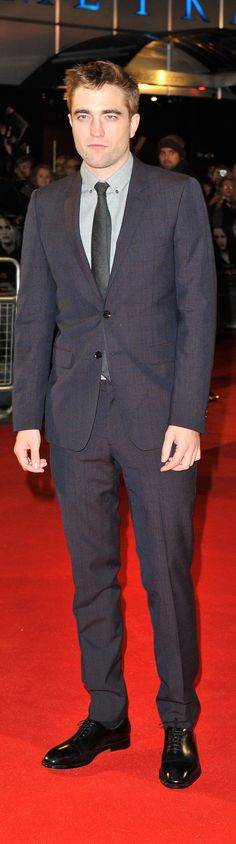 Robert Pattinson wearing Burberry tailoring to the London premiere of Twilight: Breaking Dawn Part 2