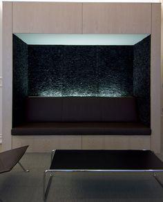 Hiroko Takeda: black wall