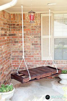 Een pallet schommel. Leuk voor tuin/serre/veranda!