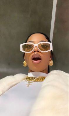 Pretty Black Girls, Beautiful Black Girl, Black Girl Aesthetic, Aesthetic Fashion, Boujee Aesthetic, Sunglasses For Your Face Shape, Ray Bans, Icy Girl, Star Wars