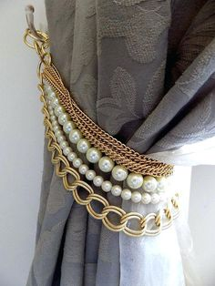 Beaded decorative curtain holder, tie back with golden chain and faux perles, drapery holder, last pieces now on sale Beaded Curtains, Drapes Curtains, Drapery, Tie Backs For Curtains, Curtains Living, Hanging Curtains, Ideas For Curtains, Bedroom Window Curtains, French Curtains