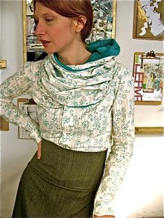 Kerchief Blouse with detachable collar and scarf detail--the blue flowered pioneer
