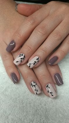 Pretty Nail Art, Cute Nail Art, Easy Nail Art, Cute Nails, Tan Nails, Hair And Nails, Gel Polish Designs, Nail Art Designs, Romantic Nails