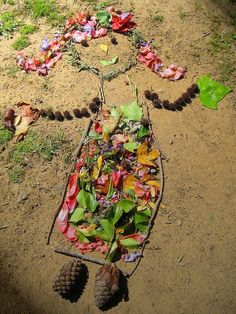 land art by graders mother nature yes fundraiser project is part of Nature activities Land Art by Graders, Mother Nature ; YES Fundraiser Project Natureart Eyfs - barnehage land art by graders mother nature yes fundraiser project Land Art, Art Et Nature, Nature Crafts, Art Crafts, Nature Collage, Nature Artwork, Autumn Crafts, Nature Activities, Outdoor Activities For Kids