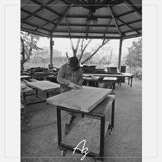 Acabamento artesanal - Feito a mão, aqui no ateliê! Conheça nosso site: azartenatural.com #Az #arte #natural #madeira #feitoamao #atelie