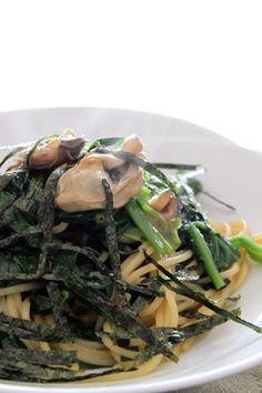 牡蠣のオリーブ漬けとほうれん草のパスタ