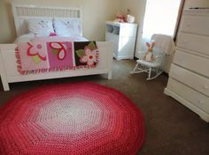 Hot Pink and White Ombre Gradient Crochet Round Rug by EvaVillain