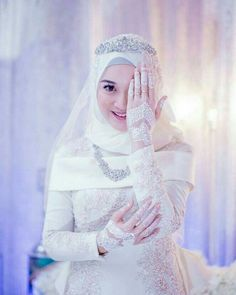 Deadly Mistake Uncovered On Malay Wedding Dress Hijab Muslim And How To Avoid It 96 Muslimah Wedding Dress, Muslim Wedding Dresses, Wedding Party Dresses, Bridal Dresses, Dress Party, Party Gowns, Bridal Hijab, Wedding Hijab, Muslim Gown