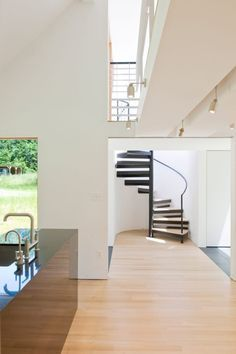 21st Century Cabin by Julia Heine/McInturff Architects