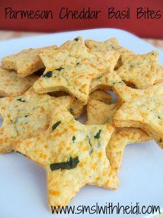 Parmesan Cheddar Basil Bites | www.smslwithheidi.com
