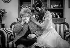 Wedding Photographer Rui Teixeira - Portugal - Worldwide bride, photo, photoshoot, real wedding, crying, grandmother, emotional, tears, happiness