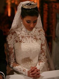 vestido de noiva gola fechada - Pesquisa Google