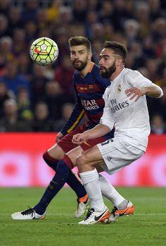 Dani Carvajal vs Piqué - Barcelona vs Real Madrid - el clásico Pique  Barcelona 35e63117e9f7e