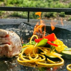#dachsteinkönig #kulinarik #culinary #tuna #thunfisch #grillen #bbq #ofyr #urlaub #kinder #familie #holiday #family #gosau #österreich #austria #hotel #food Bbq, Chicken, Meat, Food, Hotels For Kids, Childcare, Fresh, Vacation, Barbecue