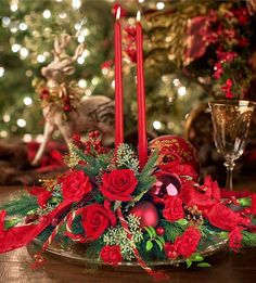 The gifts are wrapped, the fudge is made, the air conditioning is on... Wait, what?! Make it feel more like Christmas with a beautiful custom arrangement! We know it's busy during the holidays, we can deliver it right to your door! But hurry and order today! #Mcnamara #mcnamaraflorist #centerpiece #arrangement #floweroftheday #christmas #merrychristmas #happyholidays #customflowers #flowers #freshflowers