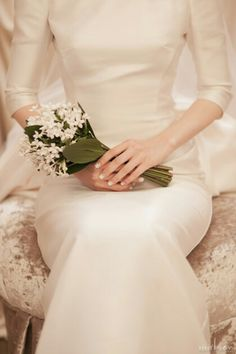 Malay Wedding Dress, Dream Wedding Dresses, Hand Bouquet, Boquet, Wedding Bouquets, Wedding Flowers, Bridal Beauty, Intimate Weddings, Wedding Decorations