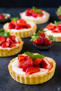 Mini Tart, Oreo Cupcakes, Sweet Cakes, Desert Recipes, Mini Cakes, Pavlova, Baked Goods, Baking Recipes, Cheesecake
